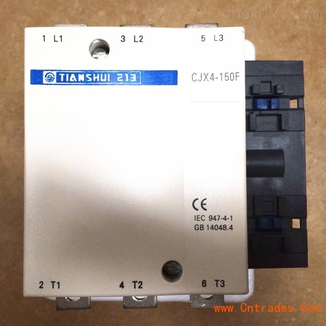 线圈接线端可加装时间延时器等各种功能模块