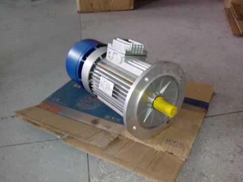 紫光刹车电机产品可以频繁地进行瞬间顺逆转:只需