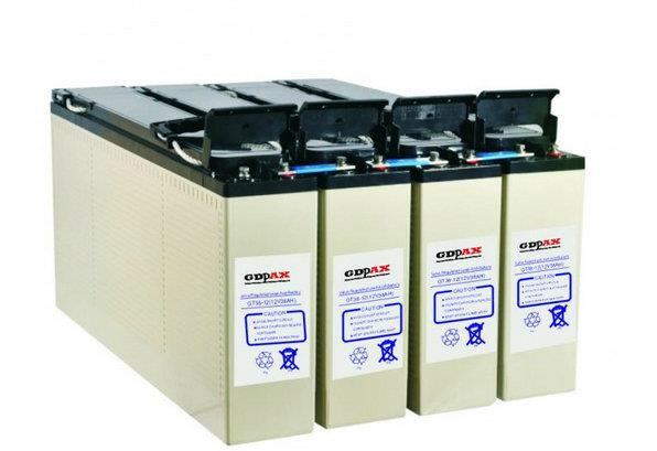 GDPAX蓄电池主要特点: 1、安全性能好:正常使用下无电解液漏出,无电池膨胀及破裂。 2、放电性能好:放电电压平稳,放电平台平缓。 3、耐震动性好:完全充电状态的电池完全固定,以4mm的振幅,16.7HZ的频率震动1小时,无漏液,无电池膨胀及破裂,开路电压正常。 4、耐冲击性好:完全充电状态的电池从20CM高处自然落至1CM厚的硬木板上3次无漏液,无电池膨胀及破裂,开路电压正常。 5、耐过放电性好:25摄氏度,完全充电状态的电池进行定电阻放电3星期(电阻只相当于该电池1CA放电要求的电阻),恢复容量在7