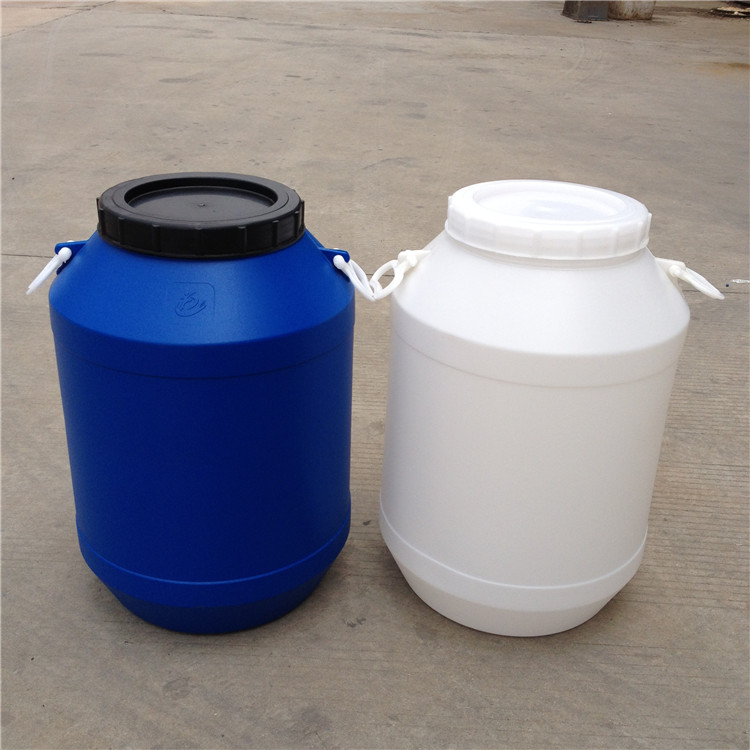 连云港25L化工桶批发价格 50kg塑料桶生产厂家 常州市恒尊塑料制品有限公司专业生产供应塑料桶,化工桶,塑料包装桶。大小型号有:5L/10L/20L/25L/50L/60L 每种容量规格有不同的形状和颜色,可根据需要和喜好选择。我公司还可以根据客户的需要开模具定做不同尺寸的塑料桶。 化工桶都是采用进口的HDPE原料,一次吹塑成型。具有卫生轻便、紧固耐腐蚀、耐震耐撞击、防紫外线不易老化等特点。常用颜色有白、蓝等可根据要求定做! 主要用于水处理、环保、电子、化工、食品、医药、建筑等行业。 【产品性能】:无毒