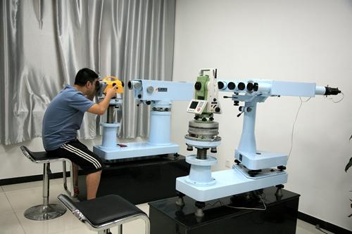 南京市计量院研发多项测绘仪器检测系统